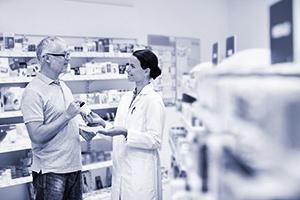DUO_pharmacy-man-pharmacist-talking_shutterstock_429503536_300x200